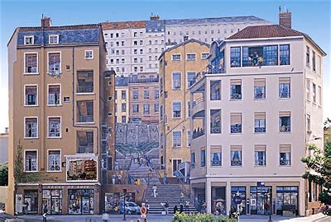 Mur Peint Lyonnais Célèbres by Street View Les Fresques Murales En France