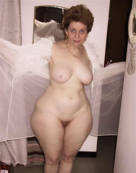 Thick Hips Granny Mega Porn Pics