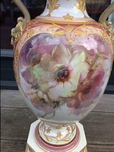 Kpm Porzellan Antik : weichmalerei urbino vase mit schlangenhenkeln julius ~ Michelbontemps.com Haus und Dekorationen