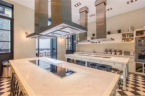 stage de cuisine lyon louer un atelier de cuisine lumineux et spacieux avec