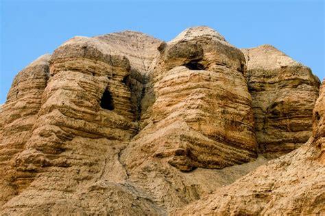 hoehlen von qumran israel franks travelbox