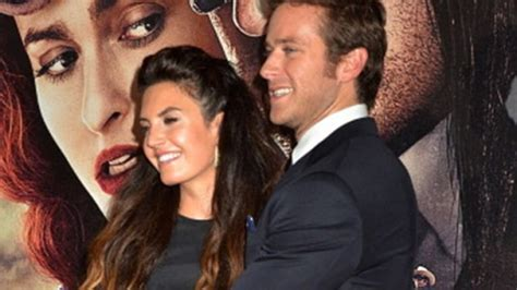 Actor Armie Hammer And Wife Elizabeth Chambers Expecting ...