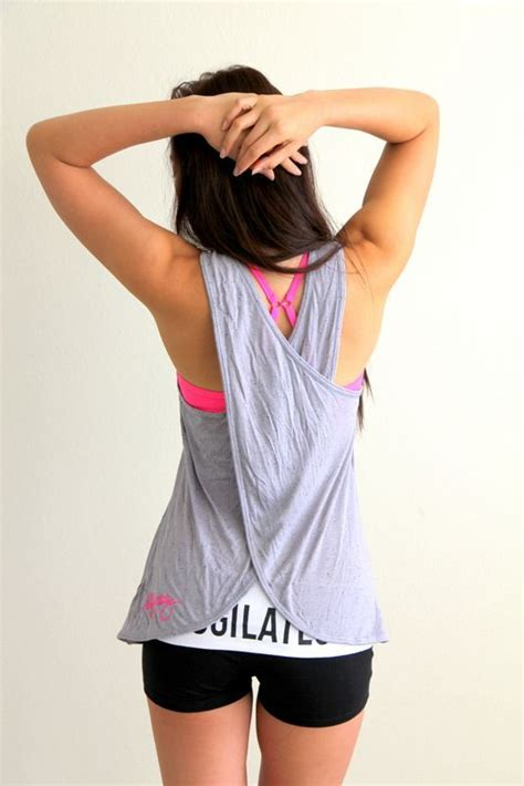 20 Upcycled Shirts You Can Use For Summer   Diy tank Crossfit and Clothes