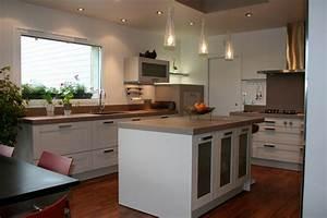 ilot central cuisine nos conseils deco With plafonnier pour salle a manger pour petite cuisine Équipée