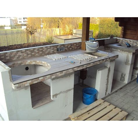 aussenküche gemauert outdoorküche gemauert mit einbau gasgrill und monolith baubericht