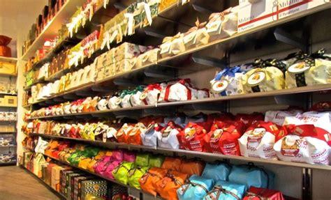 online sale craft panettoni of the best brands: Albertengo, Cova, Fiasconaro, Flamigni, Filippi