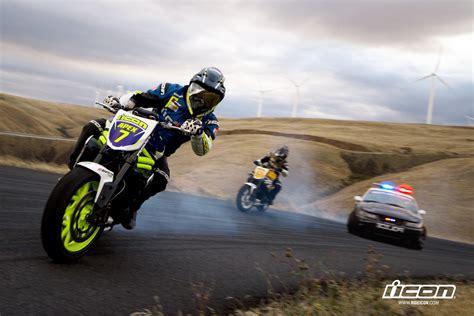 Motorcycles Triumph Icon Drift Smoke Police Pursuit
