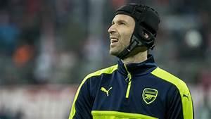 Why Szczesny should be Arsenal's No.1 next season instead ...