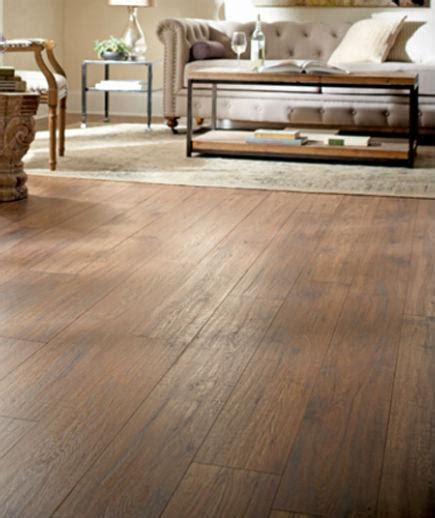 Hardwood Floors vs Laminate Floors. Which one should you