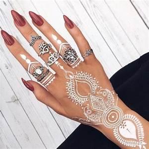 Weißes Henna Tattoo : 1001 ideen wie sie ein henna tattoo selber machen tattoo ideen ~ Frokenaadalensverden.com Haus und Dekorationen