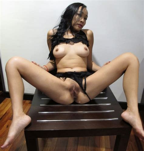 thai woman spreading legs and pussy wide gallery nude photos
