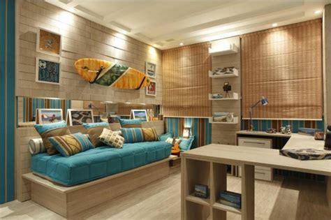 d馗oration porte de chambre décorez vos intérieurs avec une planche de surf