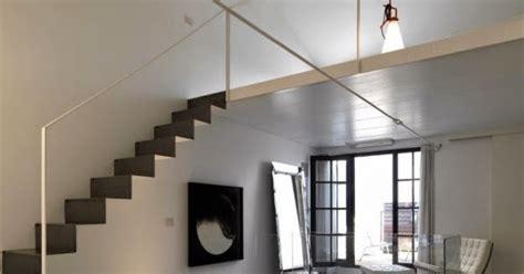 ide desain loteng  tangga samping desain rumah