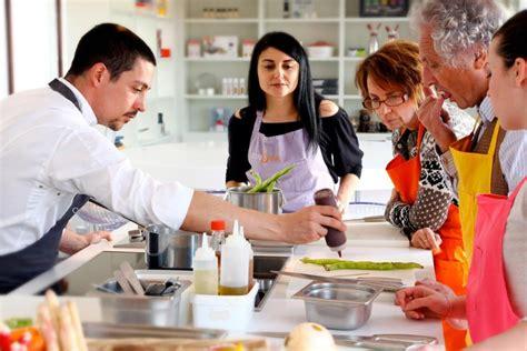 cours de cuisine honfleur gagnez vos cours de cuisine et un séjour au relais