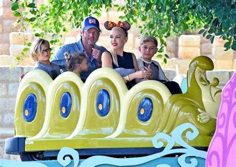 gwen stefani and shelton at disneyland with gwen s children and parents