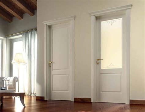 Porte Classiche In Legno Laccato E Vetro Satinato Bianco