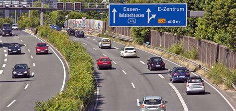 Ten Tipps For Surviving The German Autobahn