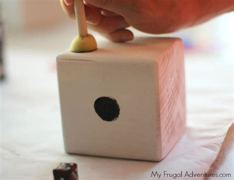 How To Make Fall Decorations At Home: Simple DIY Yard Dice {Outdoor Games Or Math Practice}