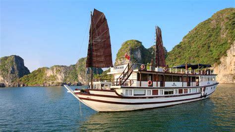 Bay Lounge Boat Cruise by Garden Bay Cruise Hanoi Tours Halong Bay Tours Sapa