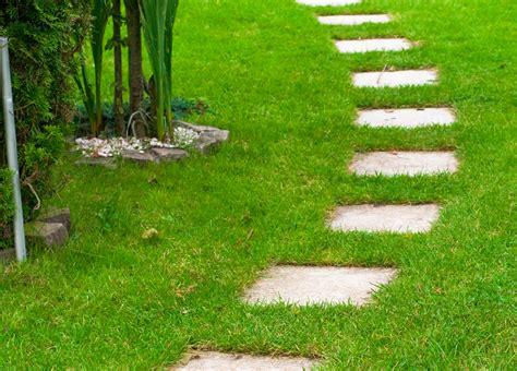 Einen Gartenweg Selber Anlegen by Gartenweg Anlegen 187 11880 Gartenbau