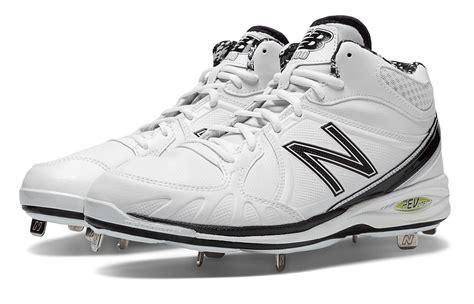 balance mens baseball  mid cut cleat shoes white