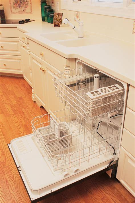 water   sink    dishwasher ehow