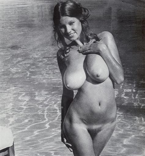 Roberta Pedon Huge Tits Retro