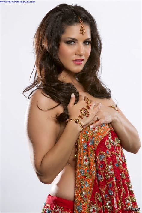 Sunny Leone In Saree Bollyrooms Actress Hot Photos