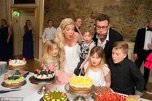 Tori Spelling ordered by court to settle American Express ...