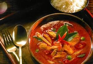 Spicy Thai Red Curry Chicken – Sarwat's Family Kitchen