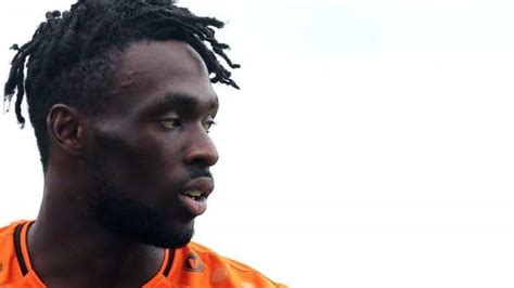 Simeon Akinola: Southend sign Barnet striker on two-year ...