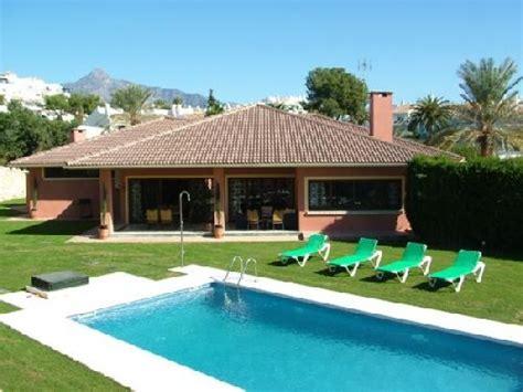 chambre piscine priv馥 villa de 7 chambres piscine privée marbella espagne