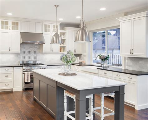 image de cuisine shaker antique white cabinets lifedesign home