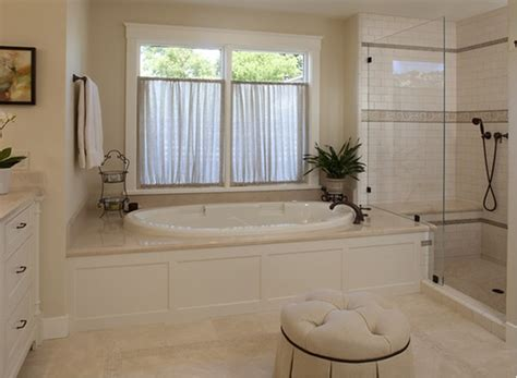 crema marfil marble for the tub surround shower seat and