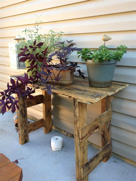 plant stand    pallet  projects pinterest