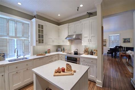 carriage house kitchen small  size big  design