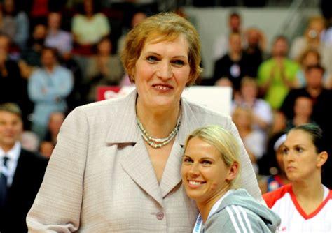 Tieši pirms 20 gadiem Semjonova tika uzņemta Basketbola ...