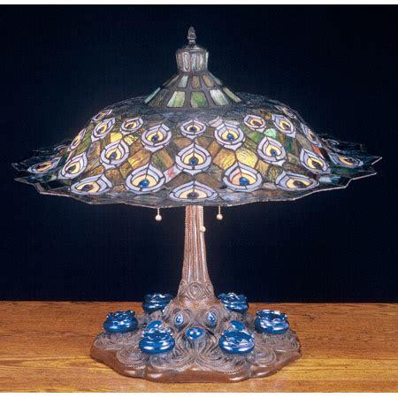 meyda  tiffany peacock feather table lamp