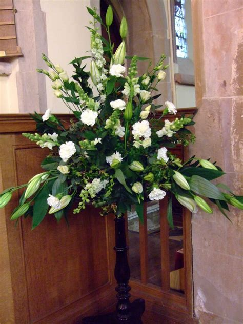 wedding flowers flowers  church wedding rp ideas