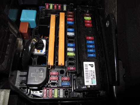2010 Toyotum Venza Fuse Box by Compare T One Vehicle Wiring Vs Curt T Connector