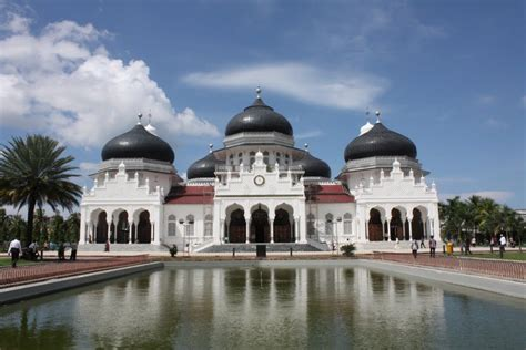 panoramio photo  masjid raya baiturrahman banda aceh