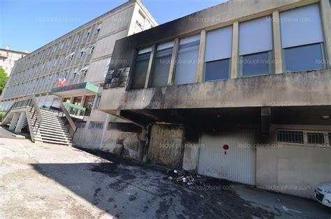 chambre d agriculture is鑽e ardèche la façade de la chambre d agriculture noircie par un incendie