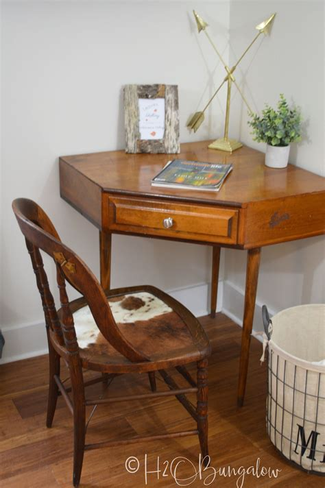 Cowhide Seat by Cowhide Chair Makeover Tutorial H2obungalow