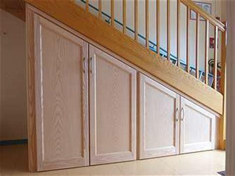 fabriquer un placard sous escalier maison design bahbe