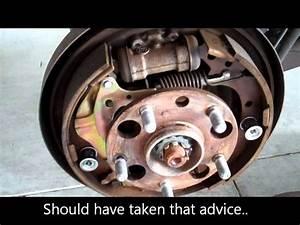 1996 Toyota Rav 4 Rear Brake Shoe Replacement - Fail