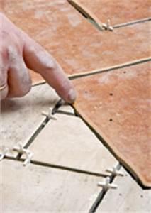Bodenfliesen Legen Wo Anfangen : bodenfliesen im d nnbett verlegen ratgeber ~ Lizthompson.info Haus und Dekorationen