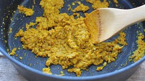 Bumbu utamanya adalah bawang, merica, jahe, kunyit, gula merah, dan kemiri. Resep Ikan Bawal Bakar Madu, Aroma Bumbu Bakarnya Bikin ...
