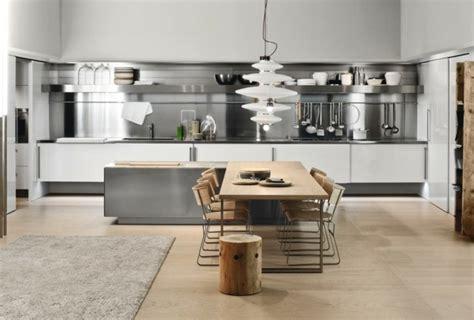 plan de travail cuisine blanche cuisine blanche et inox idées et astuces en 90 photos