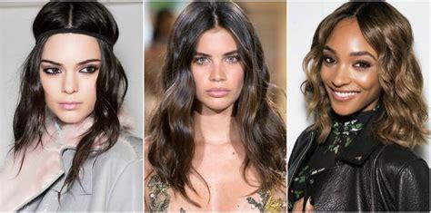 20 idées de coiffures avec une raie au milieu | Coiffure ...