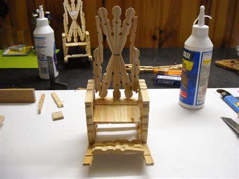 chaise en epingle a linge en bois fauteuil en pinces à linge idées et conseils maquettes